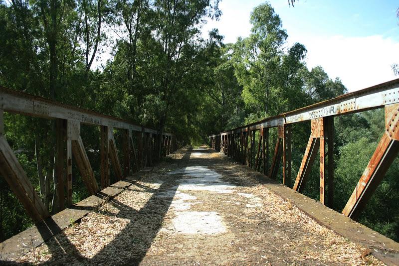 Fuente: http://www.entornoajerez.com/2009/06/puentes-con-encanto-1-el-viejo-puente.html